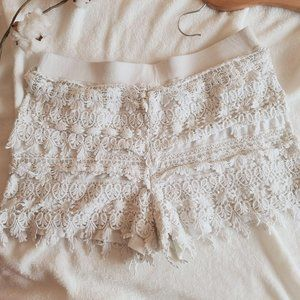 Express Crochet Applique Pull On Stretch Shorts Cr